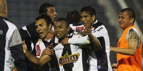 Alianza Lima gana y vuela en el Descentralizado