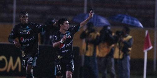 Alustiza hizo trizas los sueños del Chivas