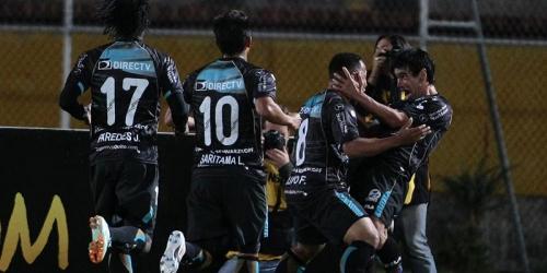 Alustiza hunde al campeón de la Sudamericana