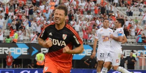 (RESUMEN) Argentina, River inicia el año con goleada