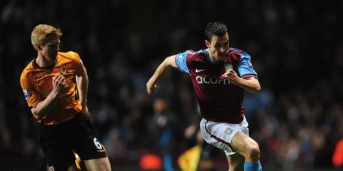Aston Villa derrotó al Hull City y desplazó al Liverpool