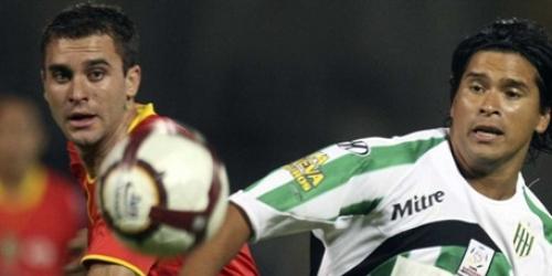 Banfield goleó a Deportivo Cuenca y clasificó a la fase final