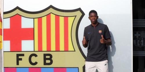 Barcelona, Dembélé llegó a la ciudad catalana y mañana será presentado en Camp Nou