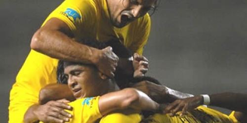 Barcelona no pierde el ritmo: 2-1 al Deportivo Cuenca