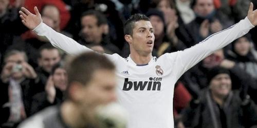 Barcelona y Madrid ganan tras dobletes de Messi y Cristiano