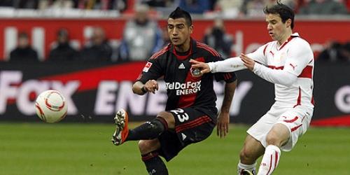 Bayer Leverkusen se acercó a cinco puntos del líder