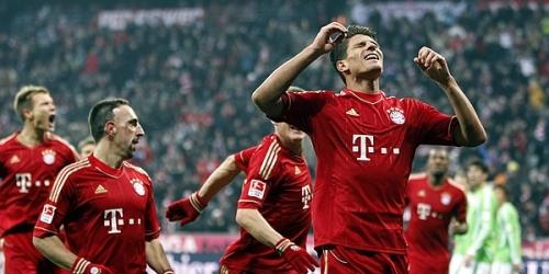 Bayern, Borussia Dortmund y Schalke siguen liderando