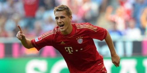 Bayern Múnich golea y comparte el liderato