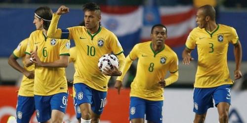 Brasil superó a Perú con un gol agónico (2-1)