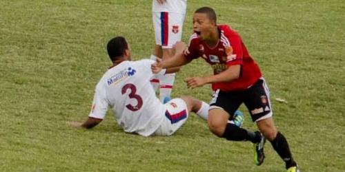 Caracas ganó y sigue primero en el Apertura