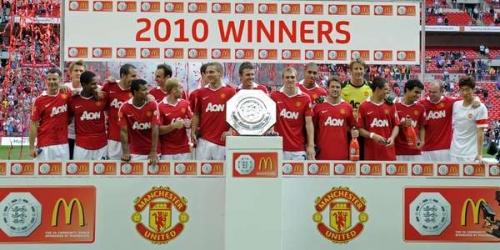 'Chicharito' y Valencia le dan la Supercopa al Manchester