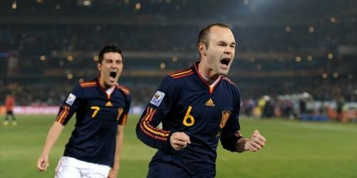 España derrota a Chile por 2-1 y ambos clasifican a octavos