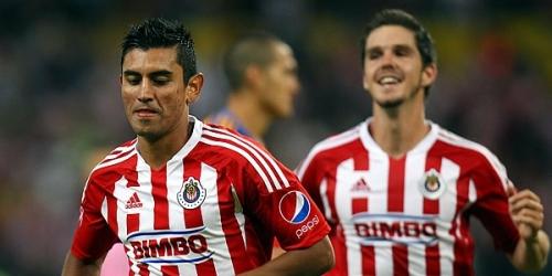 Chivas alargó su ventaja en el Apertura