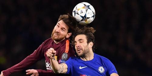 (VIDEO) Christensen culpa a Cesc Fábregas por gol de Messi ante el Chelsea