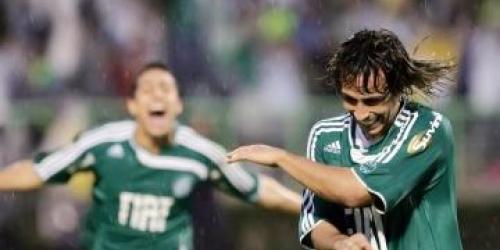 Corinthians vuelve a perder pero sigue de líder