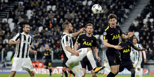 (VIDEO) Dura vuelta para la Juve en la Champions League