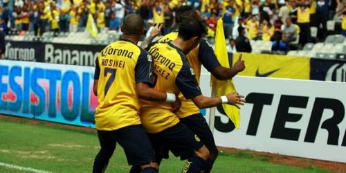 El campeón Pumas comenzó el Apertura con una victoria