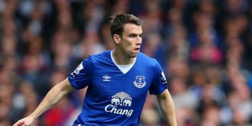 El capitán del Everton dona 5.000 euros a un aficionado del Liverpool