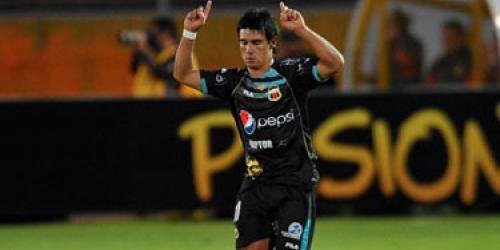 El Deportivo Quito revive y el Defensor se complica en Copa Libertadores
