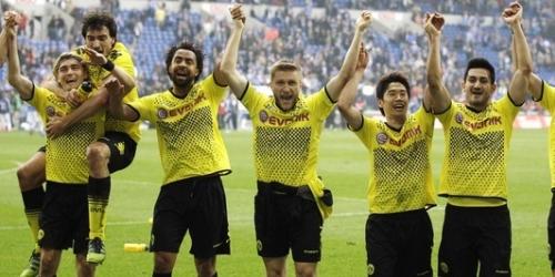 El Dortmund derrota al Schalke y está más cerca del título
