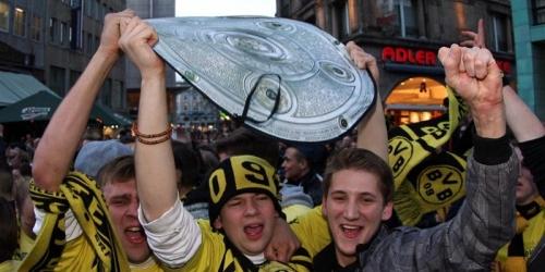 El Dortmund se proclama campeón y la Premier se reactiva