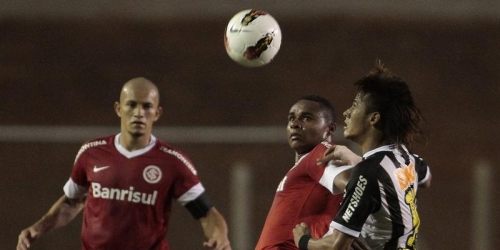 El Inter y el Santos firman un empate muy conveniente