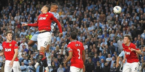 El Manchester City bate al United y es líder de la Premier