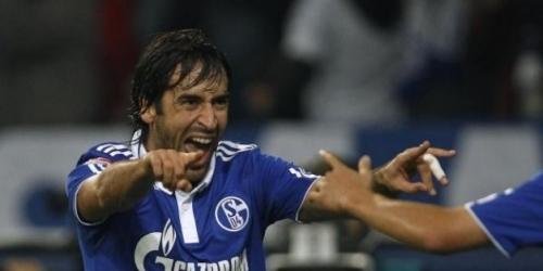 El Schalke se despide de Raúl como de parte de la historia del club