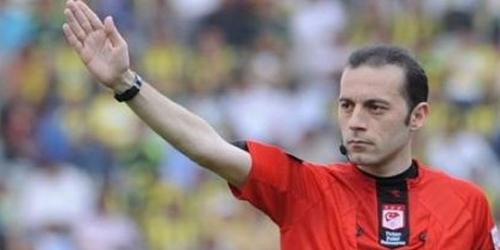 El turco Cüneyt Çakir arbitrará el Barcelona-Chelsea