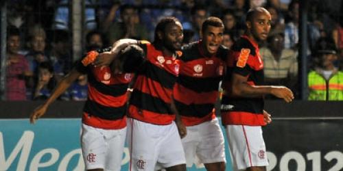 Flamengo golea a Lanús, pero victoria de Emelec impide su clasificación