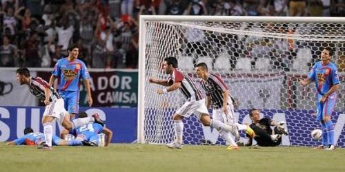 Fluminense venció a Arsenal por la mínima diferencia