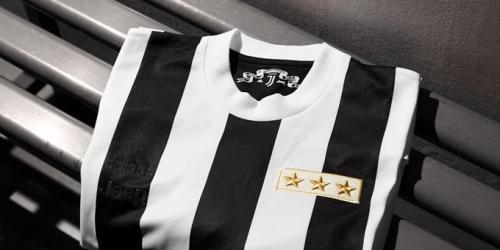 (FOTO) Juventus conmemora sus 120 años con una camiseta