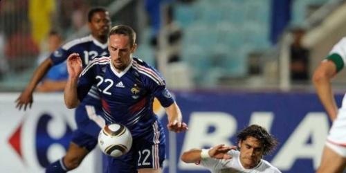 Francia empata en Túnez (1-1) con un gol de Gallas