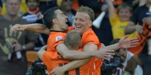 Holanda gana 2-0 a Dinamarca y se muestra como favorita