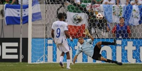 Honduras vence a Costa Rica y pasa a cuartos de final