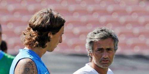 """Ibrahimovic: """"Los que critican a Mourinho le tienen celos"""""""