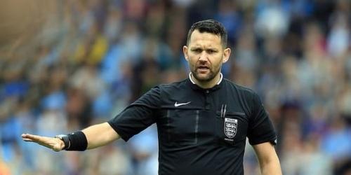 Insólita suspensión para árbitro inglés