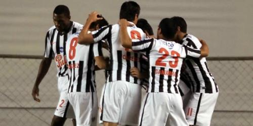 Internacional, Libertad y Emelec ganaron en la Libertadores