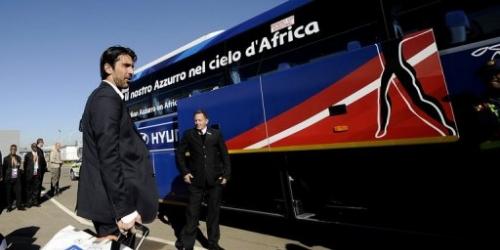 Italia llega a Sudáfrica confiando en pasado ilustre