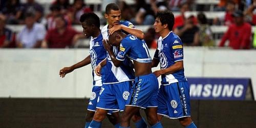 Jaguares, Cruz Azul y Chivas lideran el Apertura