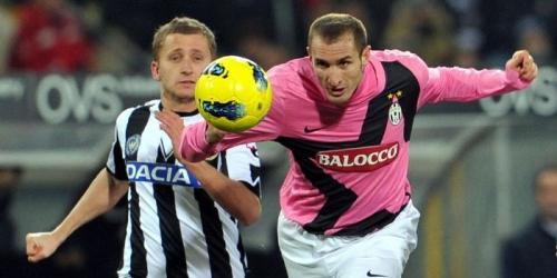 Juventus y Milan terminaron el año liderando la Serie A