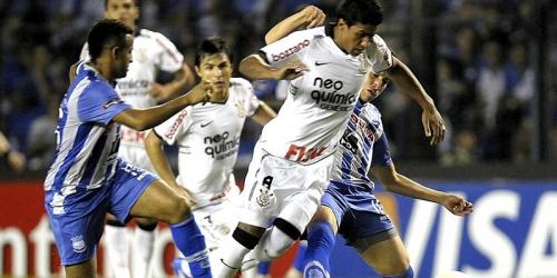 Laborioso empate de Corinthians en su visita al Emelec