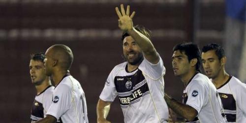 Lanús y Nacional revivieron en la Copa Libertadores