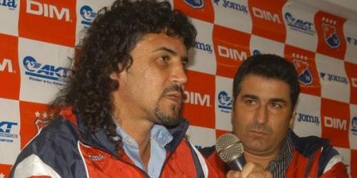 Leonel Álvarez aceptaría dirigir a la selección de Colombia