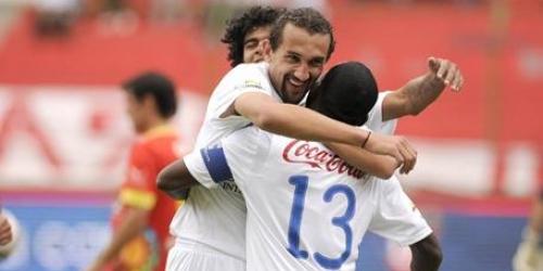 Liga de Quito y Emelec acechan a Deportivo Quito