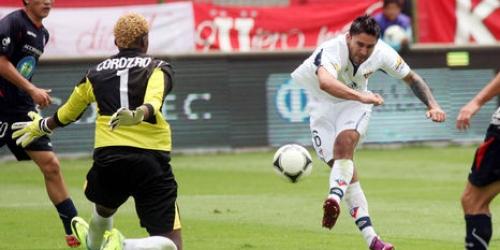 Liga de Quito y Emelec lideran la Copa Credife