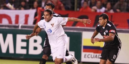 Liga de Quito y la 'U' Chile ganaron en sus partidos de ida
