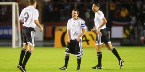 Los 'Amigos de Messi' ganaron 6-4 un partido de exhibición