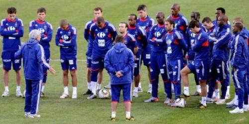 Los jugadores franceses rechazan entrenar por protesta