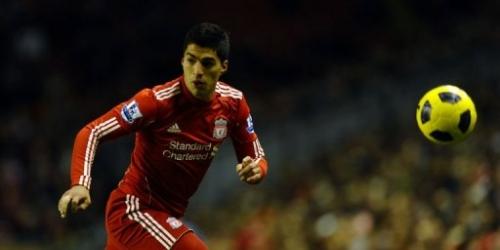 Luis Suárez debuta con gol para el triunfo del Liverpool